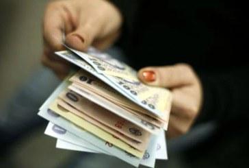 De buna credinta: O femeie a gasit o suma de bani si a dus-o la politie