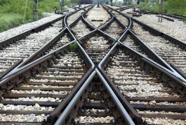 India: Un copil mic a scapat teafar dupa ce un tren a trecut peste el