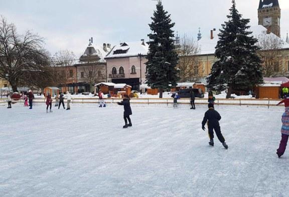 Centrul Vechi: Baimarenii se bucura de primele zile de iarna (FOTO)
