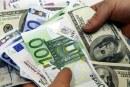 Euro sare din nou la 4,56 lei