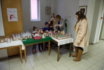 Actiune caritabila: Targ de Craciun la gradinita de Arta, Baia Mare