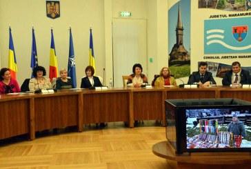"Masa rotunda la Consiliul Judetean Maramures: ""Craciunul – obiceiuri si simboluri"" (FOTO)"