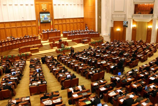 EDITORIAL: Nesimtirea parlamentara si botnita locala
