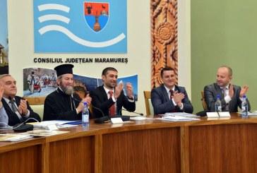 Gabriel Zetea: Preasfintia Sa, Iustin Sigheteanul, a fost prezent la sedinta festiva a Consiliului Judetean Maramures (FOTO)