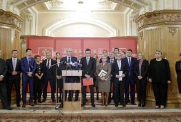Ministrii propusi sunt audiati miercuri in Parlament si primesc votul de investitura