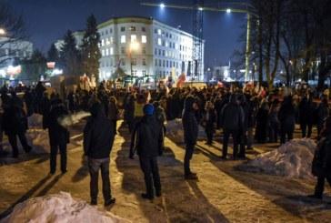 Proteste impotriva proiectului de ordonanta privind gratierea, in Bucuresti si in alte orase din tara