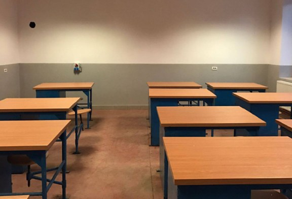 FSLI: Mai multe scoli risca sa fie inchise din cauza costului per elev, calculat gresit