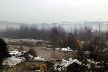 Pompierii maramureseni, in lupta cu inundatiile (FOTO)