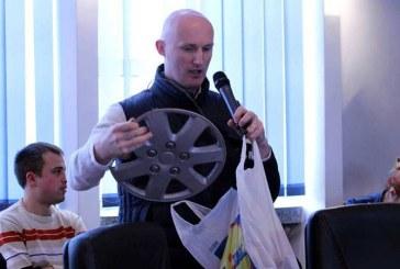 Lorand Ilyes ofera cadouri speciale in Consiliul Local (VIDEO)