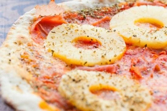 Presedintele Islandei afirma ca ar interzice topping-ul de ananas pentru pizza daca ar putea