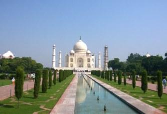Destinatii de vacanta: Circuit in India de Paste
