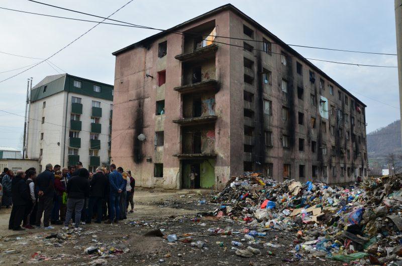 Romii de pe Horea, nemultumiti ca taxele sunt prea mari