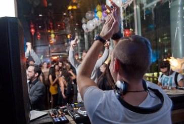 """Povestea din spatele muzicii electronice: Dj Alexio, baimareanul care mixeaza alaturi de Dj renumiti la festivalul """"Kudos Beach"""" (FOTO)"""