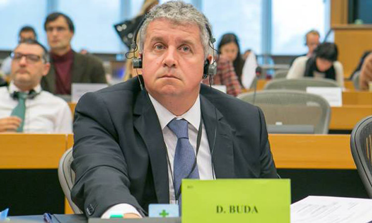 Daniel Buda s-a tinut de cuvant! A cerut oficial interzicerea prin lege a standardelor duble de calitate a produselor vandute in estul si vestul Europei