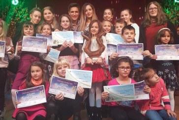 """""""Insieme Music School"""" din Baia Mare, vesteste sosirea primaverii prin cantec"""