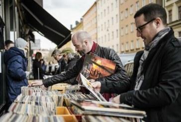"""Record Store Day"", festivalul discului de vinil"