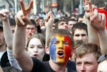 Ministrii Dunca si Birchall ii incurajeaza pe tineri sa ramana in Romania