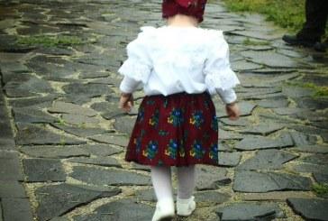 """Lectia de etnografie: """"Trebuie sa ne cunoastem radacinile, trecutul si traditiile"""" (FOTO)"""