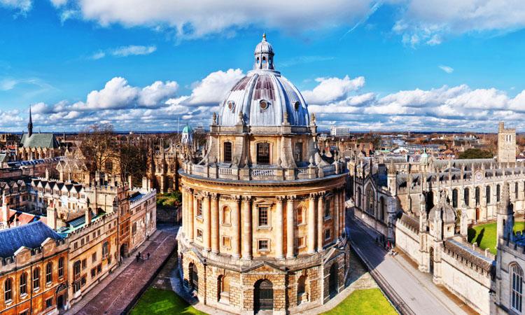 Universitatile Oxford si Cambridge, pe primele doua locuri intr-un top al institutiilor de invatamant superior din lume