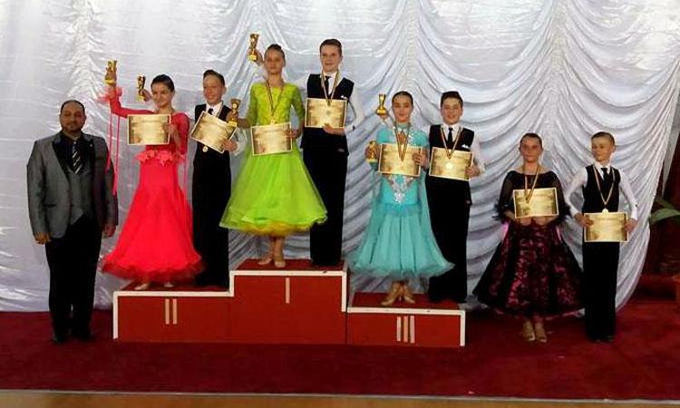 De Ziua Internationala a Dansului, Prodance 2000 Baia Mare a cucerit 18 medalii (FOTO)