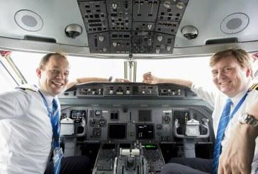 Regele Olandei va invata sa piloteze avioane Boeing 737