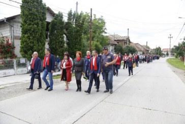 Candidatul PSD la Primaria Ulmeni, lansat oficial, la pas, pe strazile localitatii