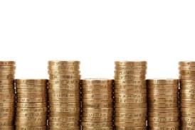 Neincrederea tine euro aproape de 4,58 lei