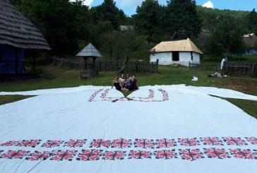 Inedit: Cea mai mare ie din Romania, expusa pe Campul Tineretului din Baia Mare