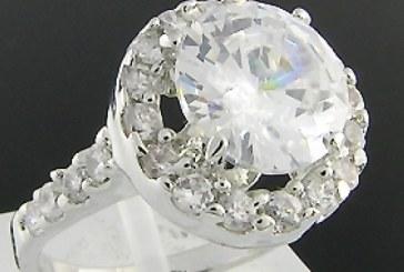 Un inel cumparat de la un targ de vechituri s-a vandut cu peste jumatate de milion de lire sterline