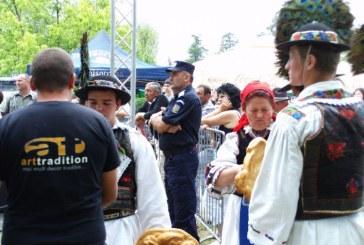 """Eveniment cultural: La Coruia se desfasoara, duminica, """"Festivalul International al Cireselor"""""""