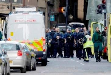 In urma atacului, politia a efectuat 12 arestari in Estul Londrei. Luminile in Turnul Eiffel vor fi stinse deseara in semn de omagiu (Foto)