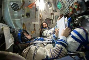 Astronautul francez si colegul sau rus s-au intors cu bine pe Pamant