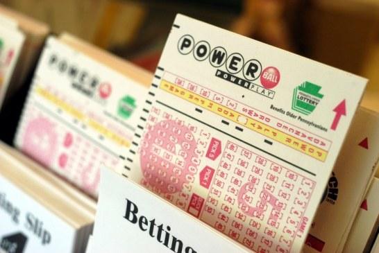 O persoana din California a castigat 448,7 de milioane de dolari la loteria Powerball