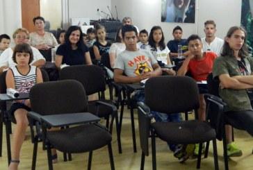 31 de elevi din sistemul de protectie premiati de HHC (FOTO)