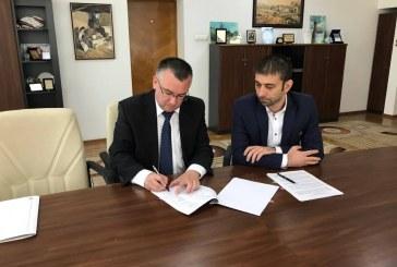 La Muzeul Judetean de Istorie si Arheologie Maramures a fost semnat contractul de management al directorului Viorel Rusu