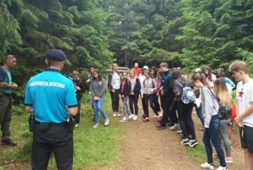 60 de copii din Bucuresti s-au intalnit, astazi, cu jandarmii maramureseni