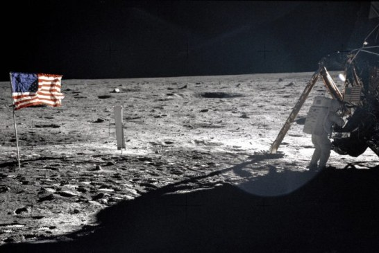 Artefacte ce provin din misiunea lunara Apollo 11 vor fi scoase la licitatie