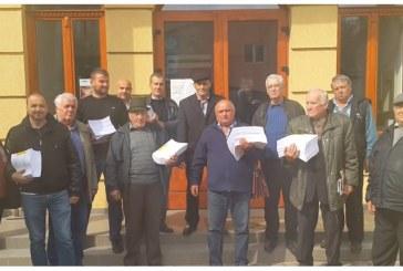 """La limita rabdarii, locuitorii din Borsa cer demisia consilierului local Mihali Maria: """"Isi bate joc de noi, nu ne mai poate reprezenta"""""""