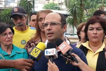 Un deputat venezuelean acuza vamesii ca l-au batut si i-au confiscat pasaportul