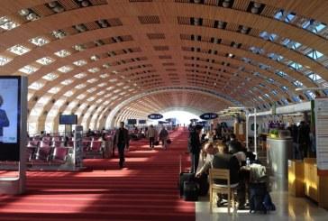 Franta: 2.000 de persoane evacuate dintr-un terminal al aeroportului Roissy din Paris