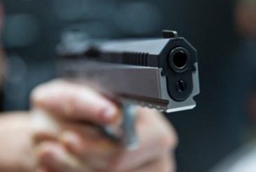Focuri de arma pentru retinerea unor barbati care au atacat un echipaj al politiei de frontiera
