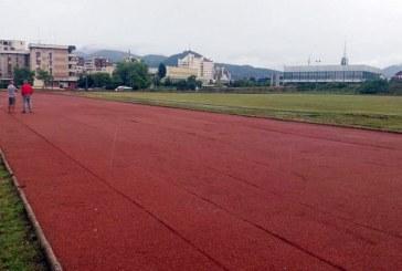 In sfarsit: Terenul de atletism din Baia Mare are o noua fata
