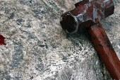 Maramureseanul care si-a ucis cu bestialitate tatal nu va face inchisoare. Raspunde cineva pentru asta?
