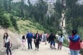 FOTO: Cascada Cailor, bijuteria care ii uimeste pe turisti, la Borsa