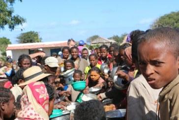 UNICEF: Peste 500.000 de copii au nevoie de ajutor umanitar in Libia