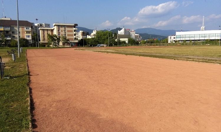 Stadionul de atletism din Baia Mare, in atentia consilierilor locali