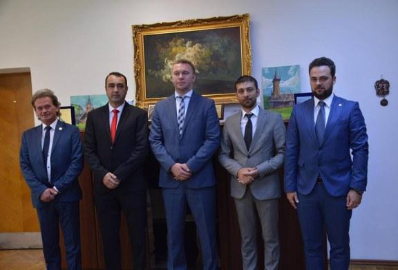 Proiectele de cooperare transfrontaliera intre Maramures si Ucraina, discutate de oficialii judetului cu Ambasadorul Ucrainei
