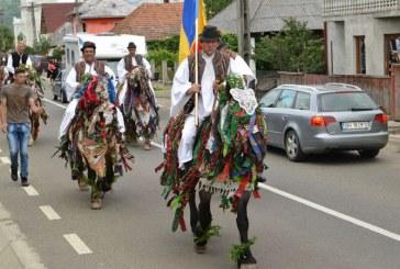 """Festivalul """"Nunta Traditionala"""" in Petrova, la o noua editie. Cum a fost in 2016 (FOTO)"""