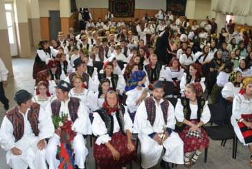"""Festivalul """"Nunta Traditionala"""", o reusita, spune primarul din Petrova"""