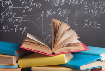 RETROSPECTIVA 2017 Noutati in domeniul educatiei: o noua lege a manualului si ideea de manual unic